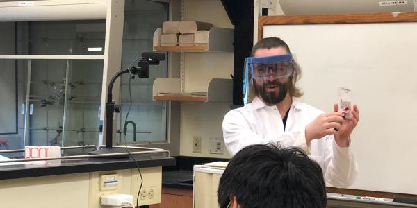 Lab supervisor Matt Autry and faculty assistant Ruowen Pei record a general chemistry lab.