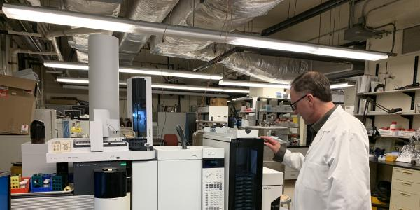 Staff scientist Henry Rohrs demonstrates how to use equipment in the Department of Chemistry's mass spectrometry research resource